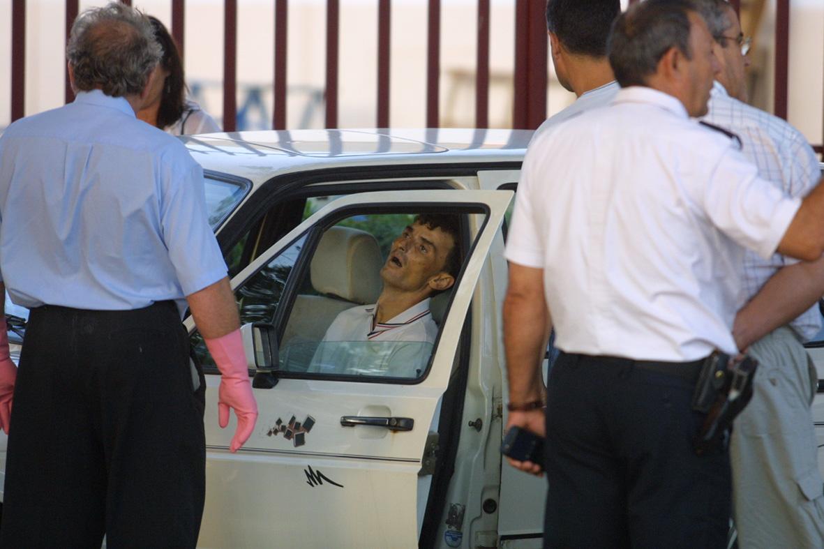 San Ginés ( Murcia), 26.08.2002.- Un hombre fué encontrado muerto, presuntamente por sobredosis, en el interior de su vehículo en el polígono industrial Oeste.