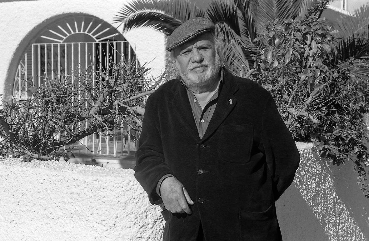 Aguilas (Murcia), 12.01.1995.- El actor Paco Rabal en su casa de veraneo,  a la que puso el nombre de Milana Bonita, situada en la pedanía aguileña de Calabardina. Andrés Ribón.